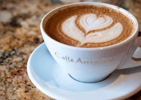 چه ساعتی آخرین فنجان قهوه را بنوشیم تا شبها بدخواب نشویم؟