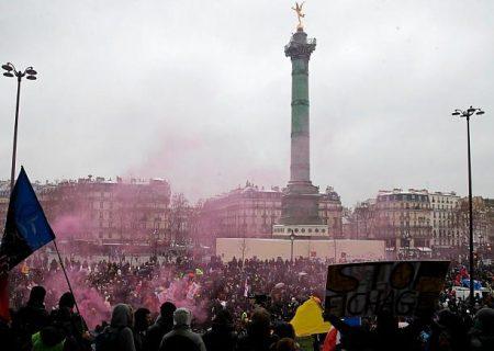 قانون منع پخش تصویر پلیس با سوء نیت، هزاران فرانسوی را به خیابان کشاند