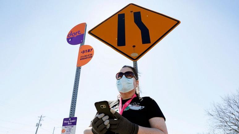 چرا آمریکا میگوید ماسک بزنید، اروپا میگوید ماسک نزنید؟