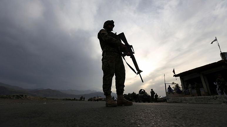 درگیری ارتش افغانستان با نیروهای طالبان بیش از ۱۰۰ کشته برجای گذاشت