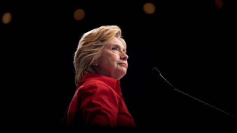 هیلاری کلینتون نسبت به «عواقب بزرگ» خروج نظامیان آمریکایی از افغانستان هشدار داد