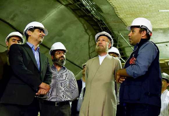 قدردانی امام جمعه شیراز از شهرداری در ساخت ایستگاه متروی وکیل