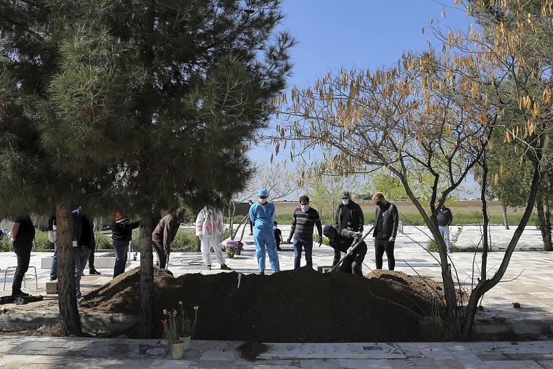 شمار مبتلایان به ویروس کرونا در ایران از ۵۰ هزار نفر گذشت