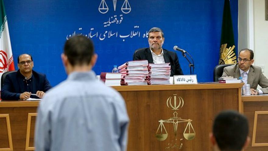دادگاه انقلاب تهران هشت متهم حمله داعش به تهران را به اعدام محکوم کرد