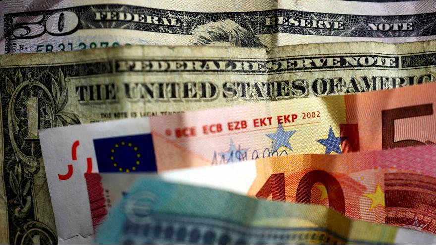 پیگیری ایدهای ۲۳ ساله؛ تاثیر جایگزینی یورو با دلار بر اقتصاد ایران چیست؟