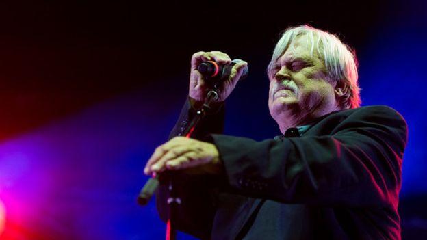 خواننده آمریکایی روی صحنه درگذشت
