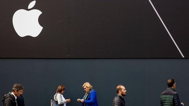 فروش آیفون اپل کاهش یافته است