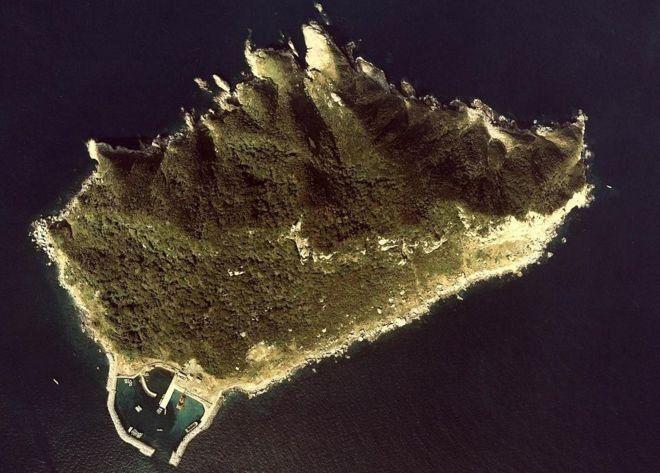 جزیرهای که ورود زنان به آن ممنوع است