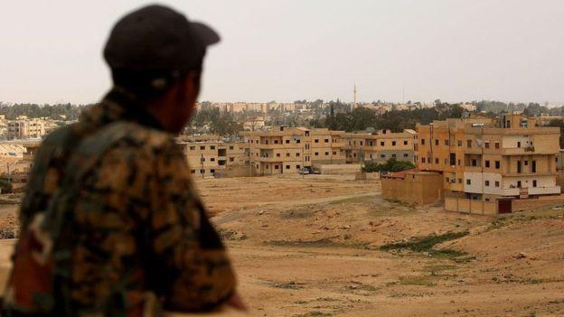 ترامپ کردهای سوریه را در برابر داعش مسلح میکند