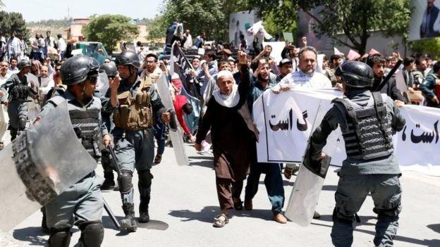 تظاهرات کابل در اعتراض به ناامنی؛ شلیک هوایی پلیس