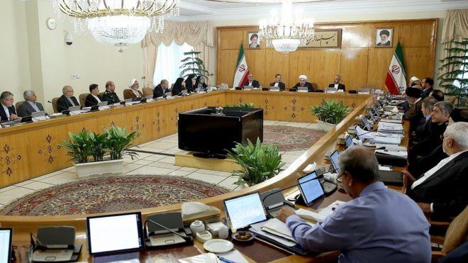 دولت ایران «لایحه تفکیک سه وزارتخانه را به مجلس میبرد»