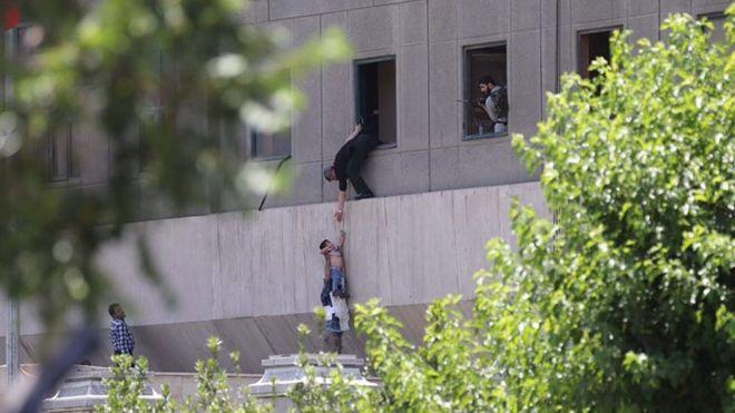 حمله داعش در ایران «13 قربانی به جا گذاشت»؛ مهاجمان ایرانی بودند