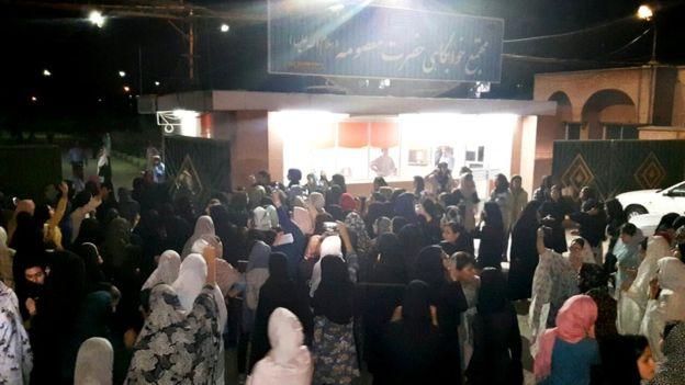 مسئولان دانشگاه چمران اهواز به دانشجویان وعده کولر دادند