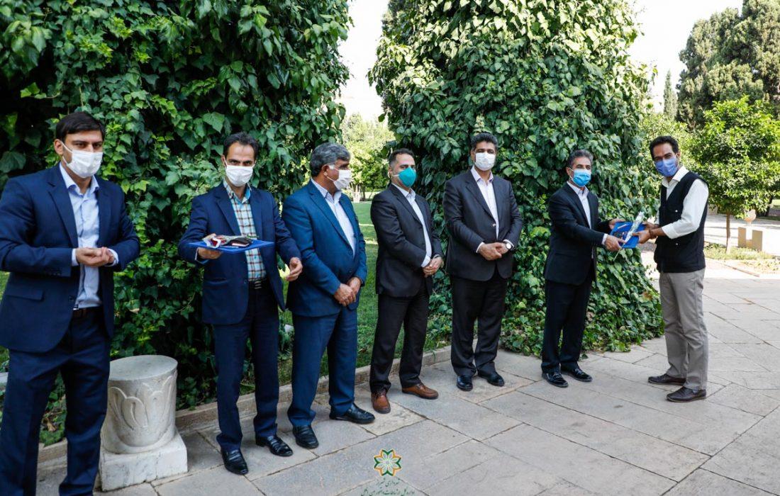 مراسم تجلیل از خبرنگاران و عکاسان خبری در شیراز برگزار شد