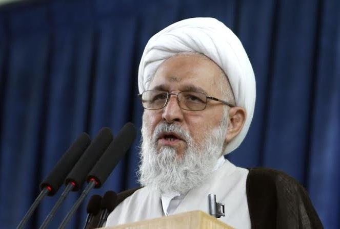 امام جمعه شیراز: برخی مردها با رابطه نامشروع بنیان خانواده را سست میکنند