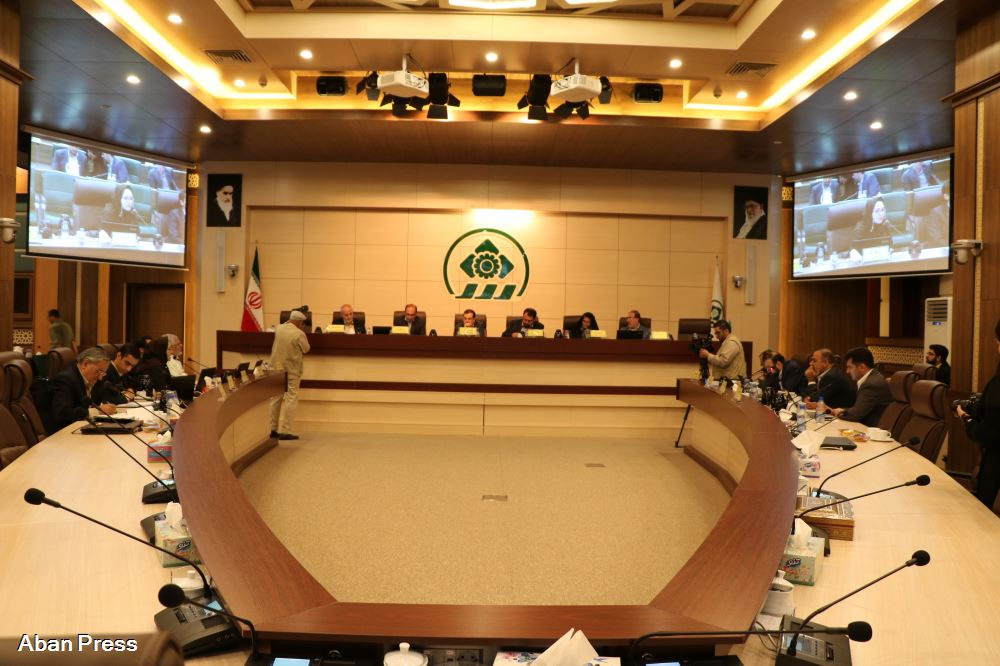 اعتراض شورای شهر شیراز به تعلیق عضویت سپنتا نیکنام عضو شورای شهر یزد