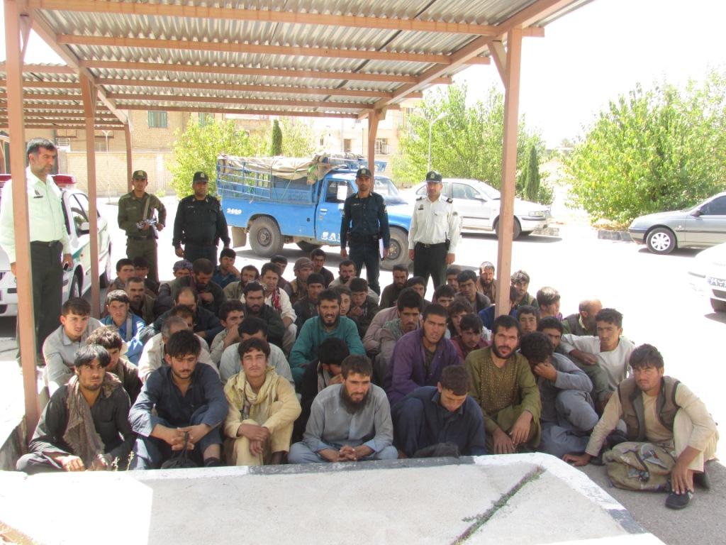 52 افغان در سروستان بازداشت شدند