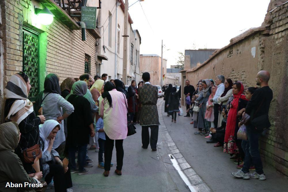 آلبوم عکس؛ قدم زنی در بافت تاریخی شیراز؛ از صفه تربت تا خانه صدق آمیز