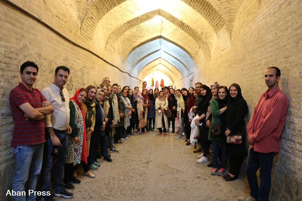 آلبوم عکس؛ قدم زنی در بافت تاریخی شیراز؛ از تیمچه نعمان تا خانه سووشون