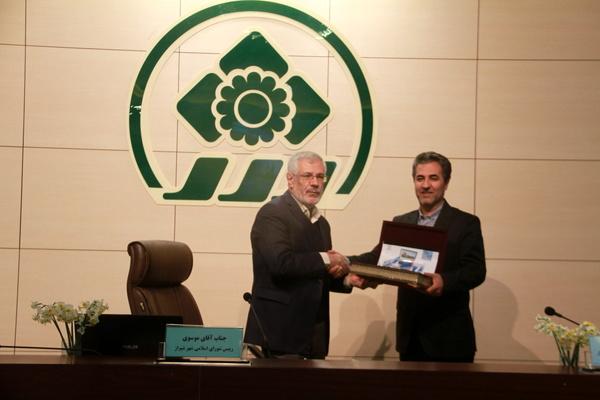 شهردار شیراز بودجه سال ۹۹ را تقدیم شورا کرد