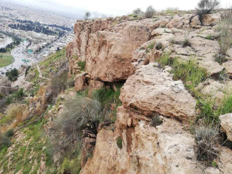 سنگ ناایمن در نزدیکی دروازه قرآن شیراز منفجر شد