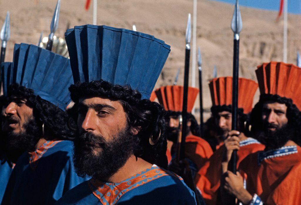 ستیز با ایران باستان
