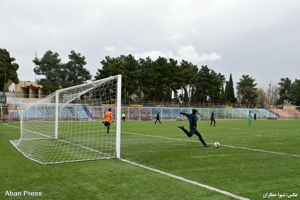 شکست تیم فوتبال بانوان فارس در بازی آخر