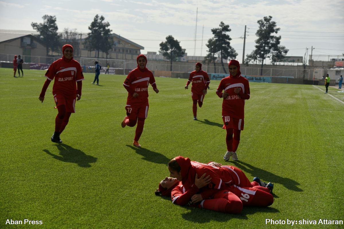 پیروزی تیم فوتبال بانوان شیراز در برابر استقلال اهواز
