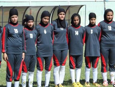 صعود تیم بانوان ممسنی به لیگ فوتبال نوجوانان