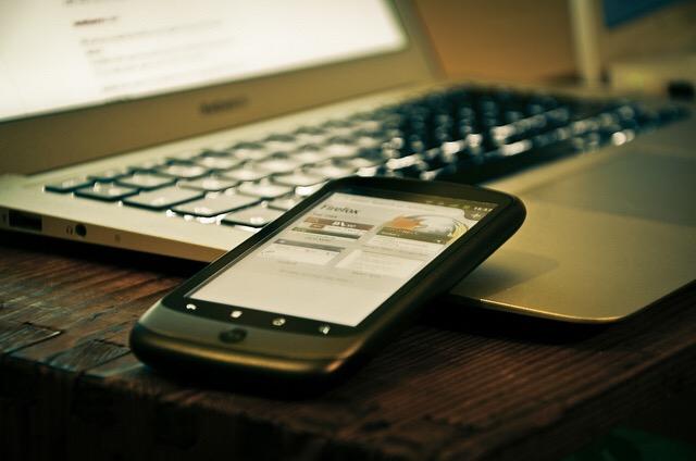 «فارس آموز» به محتویات گوشی استفاده کنندگان دسترسی دارد