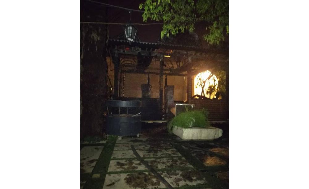 مهار آتش سوزی در نارنجستان قوام شیراز