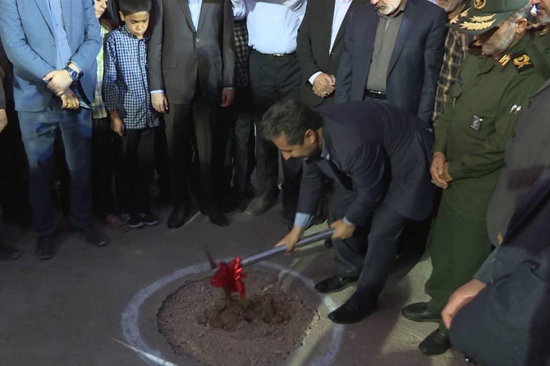 کلنگ احداث المان مقبره شهدای گمنام در شیراز به زمین زده شد