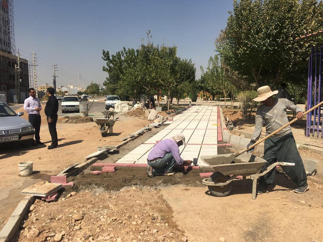 احداث مسیر دوچرخه سواری و پیاده روی در منطقه ۱۰ شیراز