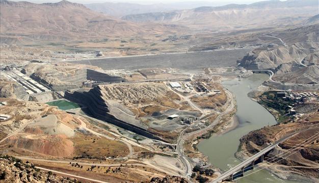 آبگیری در ترکیه، بیآبی در عراق، گردوغبار در ایران