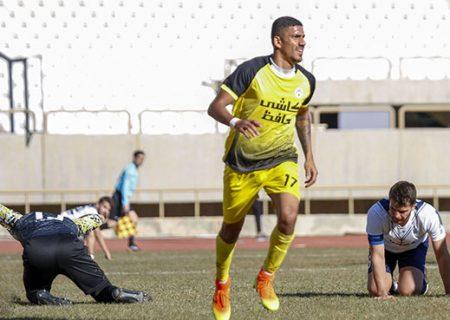 تیم فجر شیراز یک سر و گردن از تیمهای لیگ یک بالاتر است