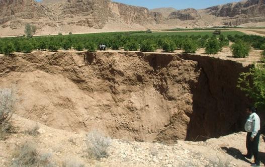 خطر فرونشست زمین در بیش از ۲۰۰ روستای استان فارس