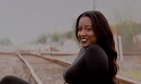 مدل آمریکایی هنگام عکاسی روی ریل قطار کشته شد