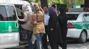 کاهش تعداد کسانی که معتقدند حکومت باید با بدحجابی مقابله کند