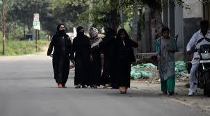 دادگاهی در هند رسم «سه طلاقه کردن» زنان مسلمان را لغو کرد