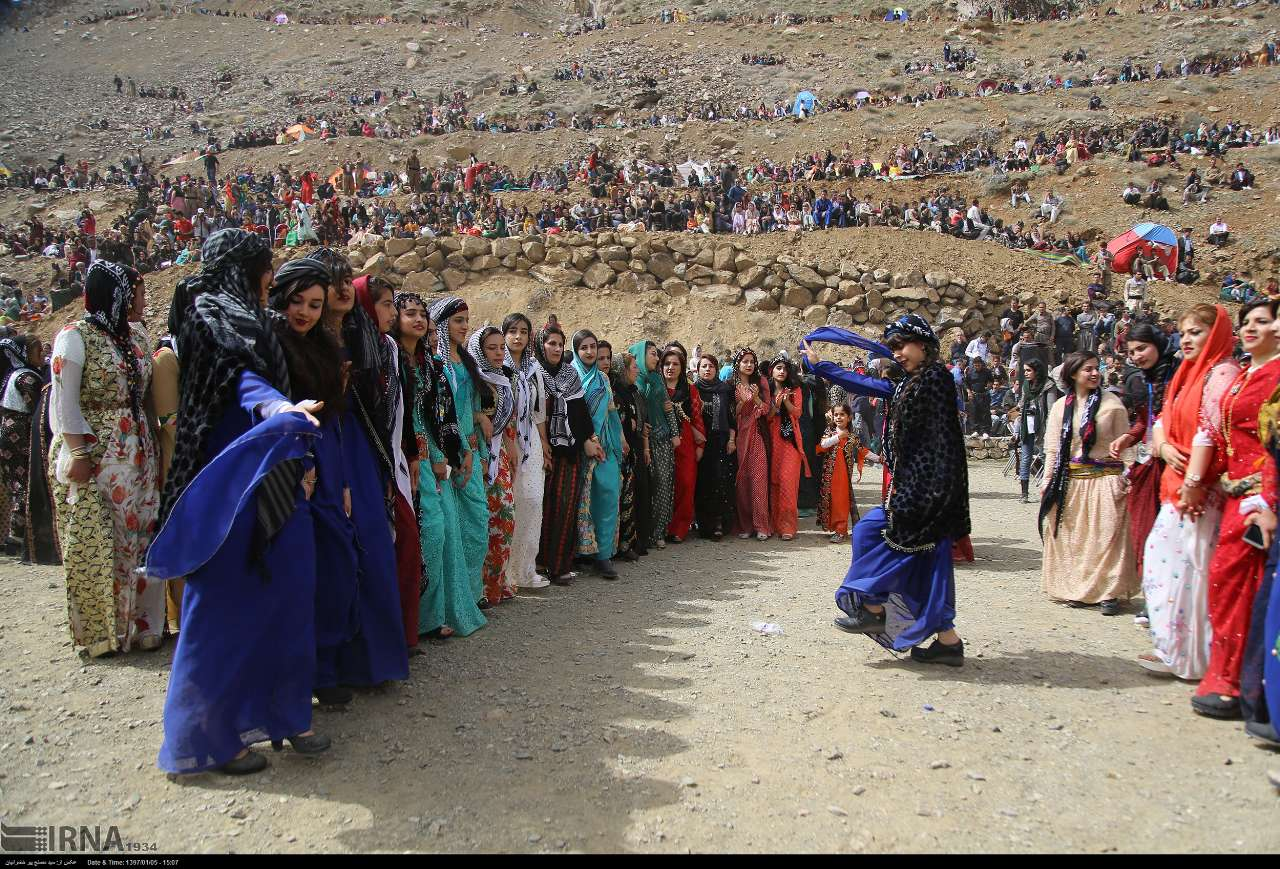 آلبوم عکس؛ جشن نوروز در روستای «تنگی سر» کردستان