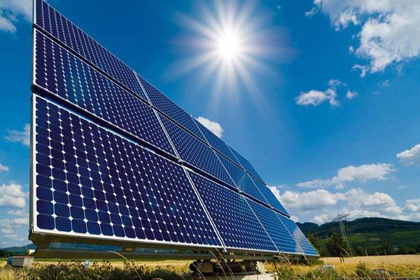 اتریش چهار نیروگاه خورشیدی در شمال فارس میسازد