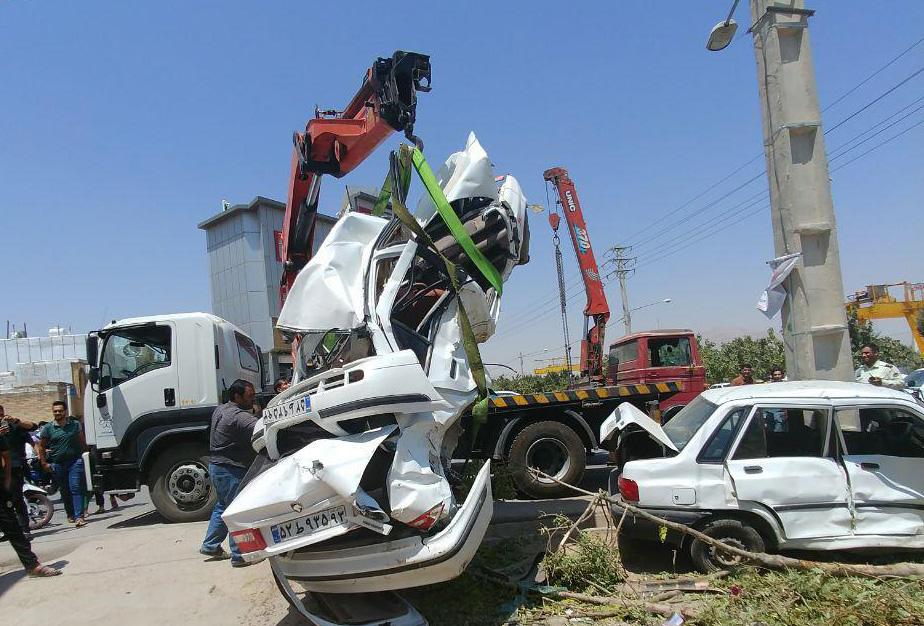 تصادف اتوبوس با چند خودرو در شیراز