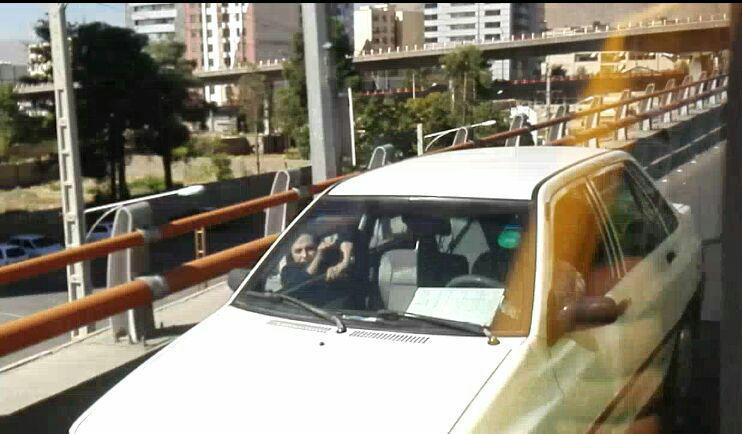 مردی در بولوار چمران شیراز همسرش را از خودرو به بیرون پرتاب کرد