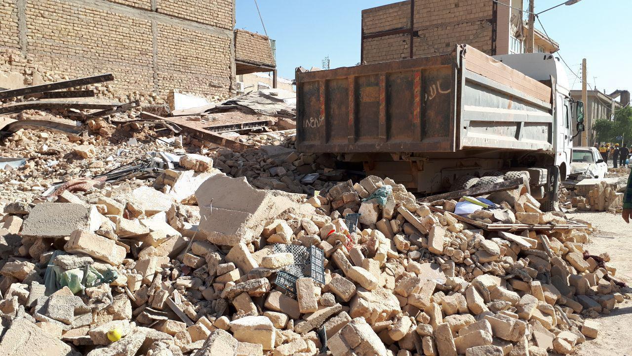 سخنان ضد و نقیض حسن روحانی و فرمانده سپاه در خصوص احداث خانه در مناطق زلزله زده