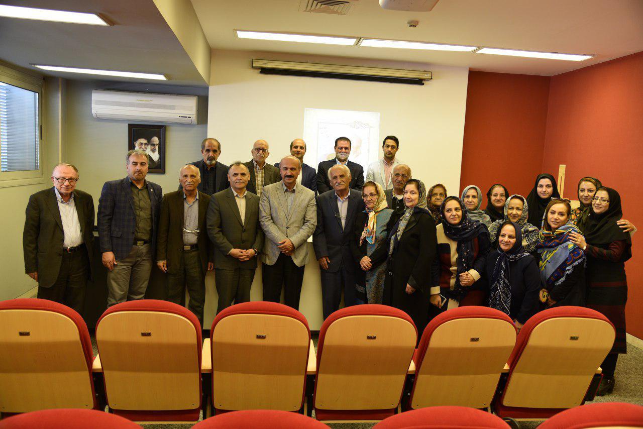 نکوداشت ۷۰ سال کتابداری و پژوهش «زنده نام محمدهادی سلاحی» در شیراز