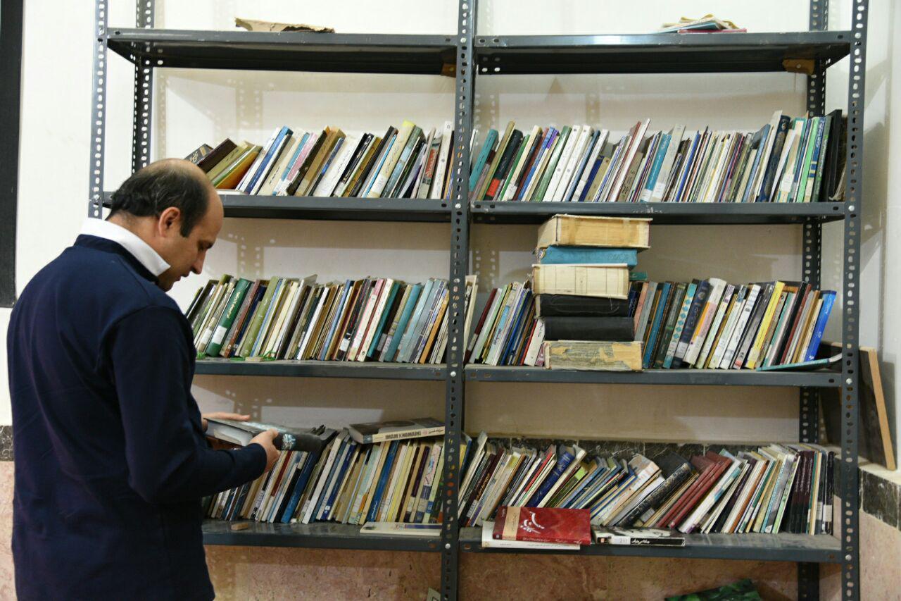 """روستای """"امامزاده بزم"""" فارس در یک قدمی کسب عنوان «دوستدار کتاب»"""
