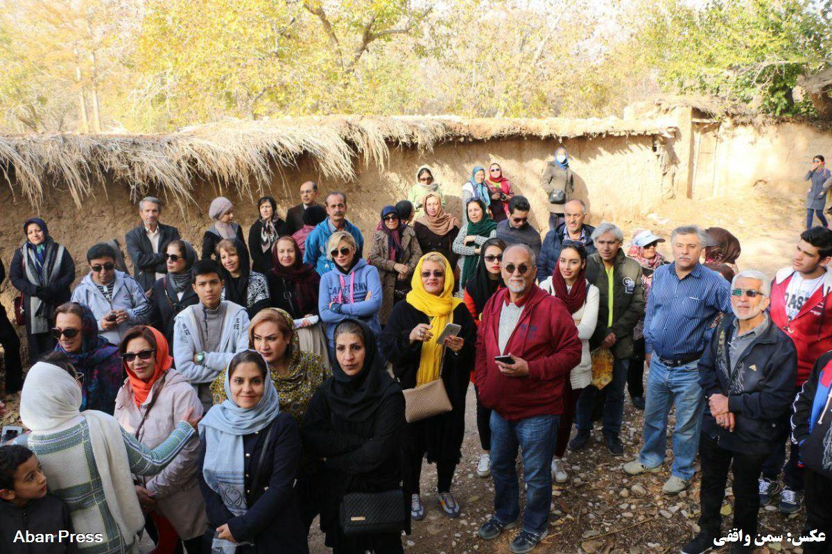 آلبوم عکس؛ پیاده روی در کوچه باغهای قصردشت شیراز