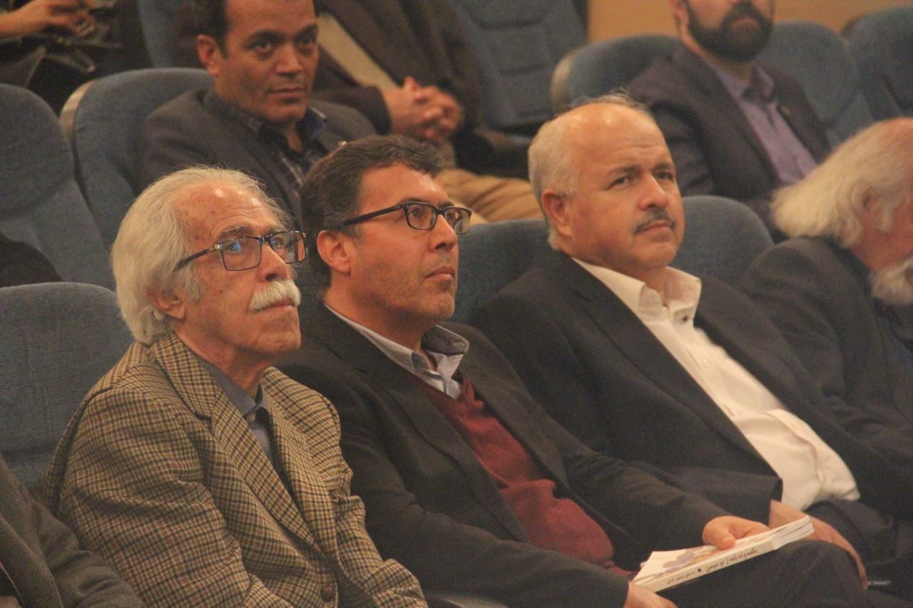 نکوداشت ۸۰ سالگی منصور اوجی، شاعر معاصر در شیراز برگزار شد