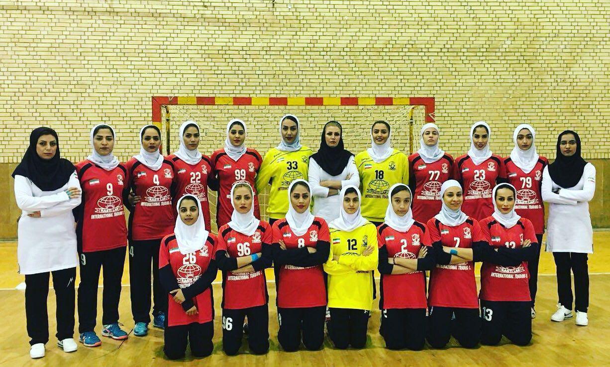 تیم بانوان لارستان فارس به عنوان نماینده ایران در مسابقات هندبال آسیا شرکت میکند