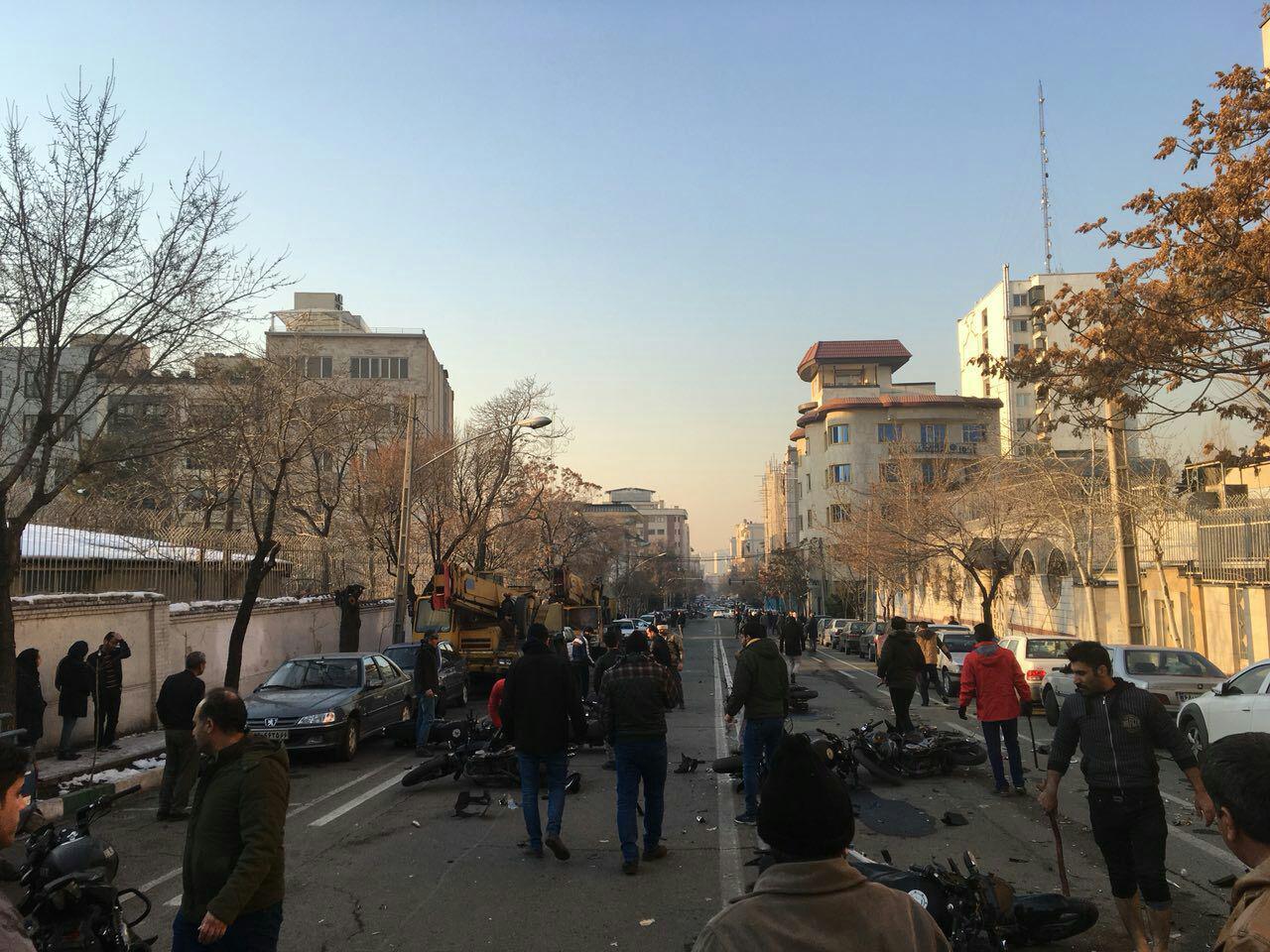 """پلیس تهران قصد """"برخورد"""" با دراویش گنابادی را تکذیب کرد"""